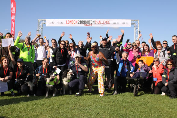 london-2-brighton-challenge-group-shot